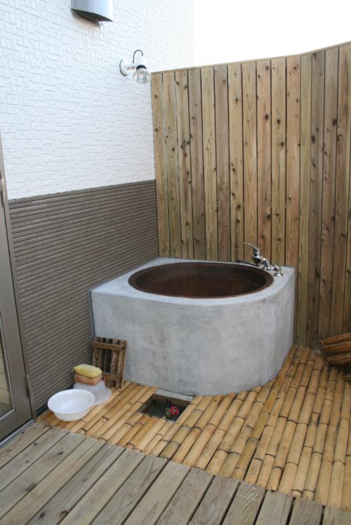 なんとお風呂は釜風呂です ...
